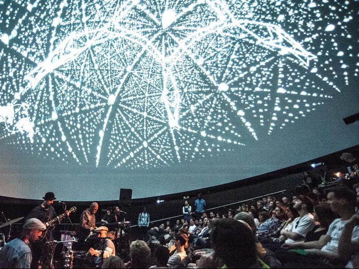 escortuide Planetarium i Jels